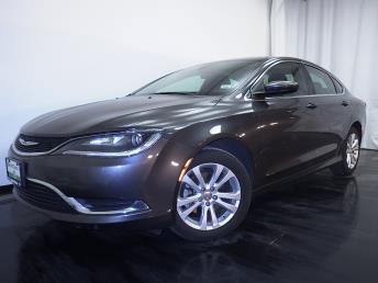 2015 Chrysler 200 Limited - 1010157040