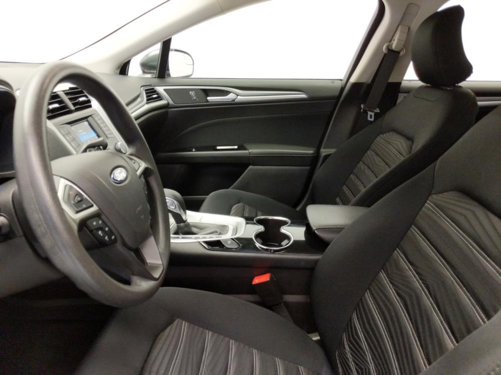 2016 Ford Fusion SE - 1010159543