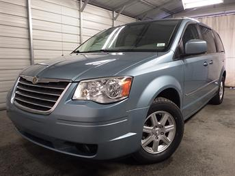2010 Chrysler Town and Country - 1030159688