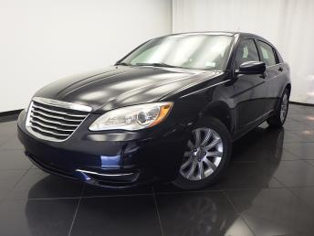 2011 Chrysler 200 - 1030175316