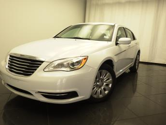 2013 Chrysler 200 - 1030178213