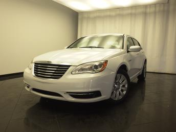 2013 Chrysler 200 - 1030178252