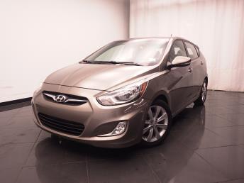 2013 Hyundai Accent - 1030181255
