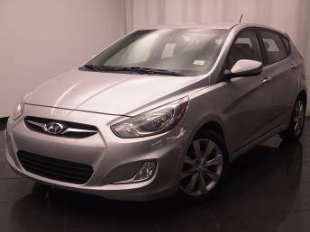 2013 Hyundai Accent - 1030183895