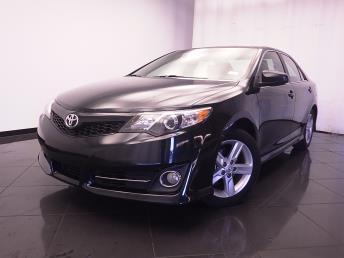 2014 Toyota Camry - 1030184316