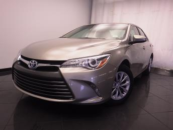2016 Toyota Camry Hybrid LE - 1030184802