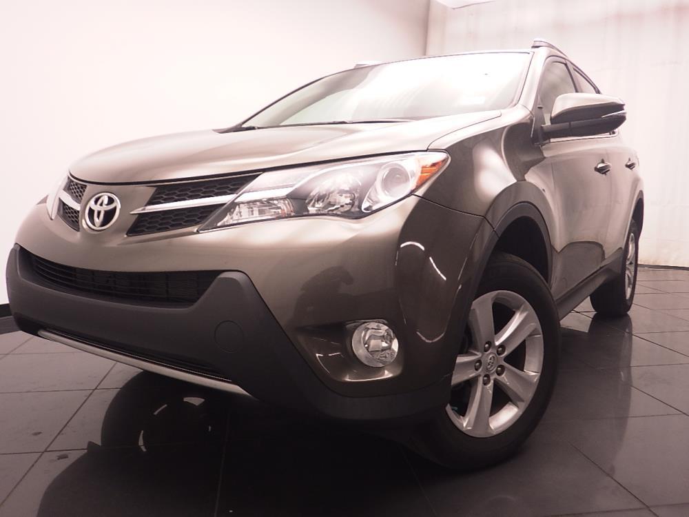2014 Toyota RAV4 XLE - 1030184895