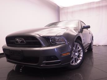 2014 Ford Mustang - 1030186568