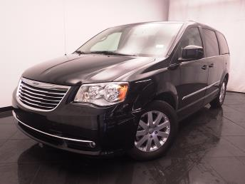 2016 Chrysler Town and Country Touring - 1030188008