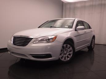 2013 Chrysler 200 LX - 1030188205
