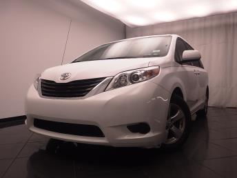 2014 Toyota Sienna LE - 1030188334