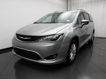 2017 Chrysler Pacifica Touring-L - 1030193616