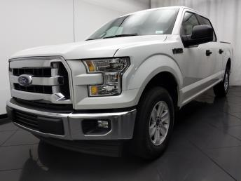 2017 Ford F-150 SuperCrew Cab XLT 5.5 ft - 1030194040