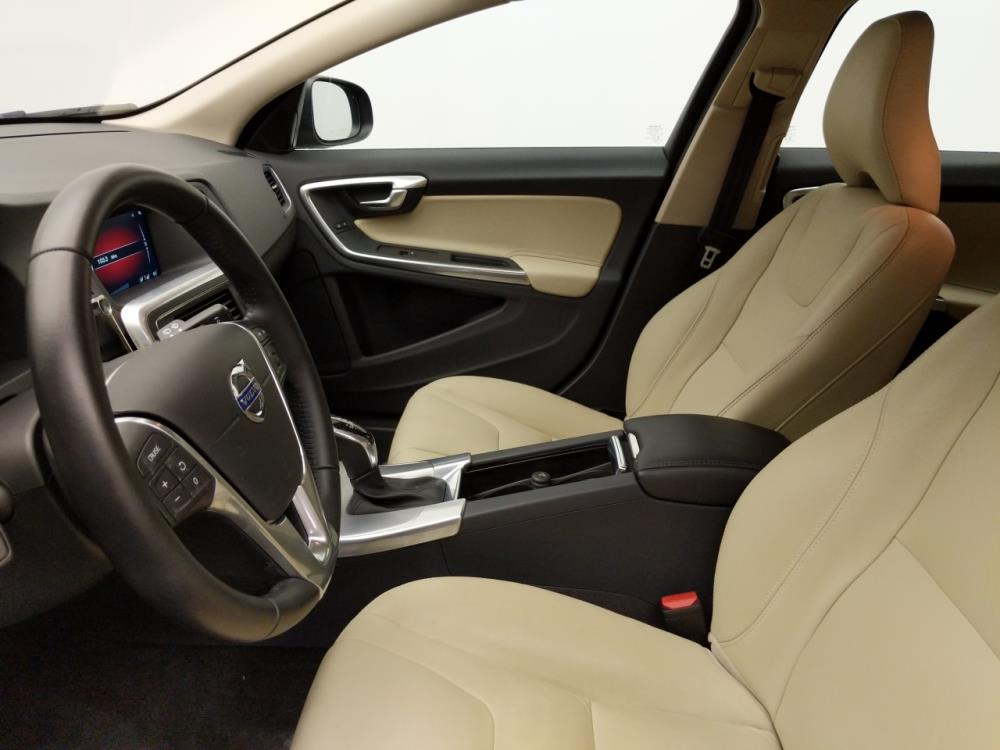 2017 Volvo V60 T5 Premier - 1030194297