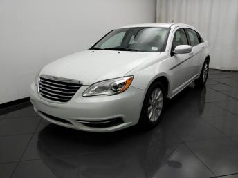 2013 Chrysler 200 Touring - 1030194510
