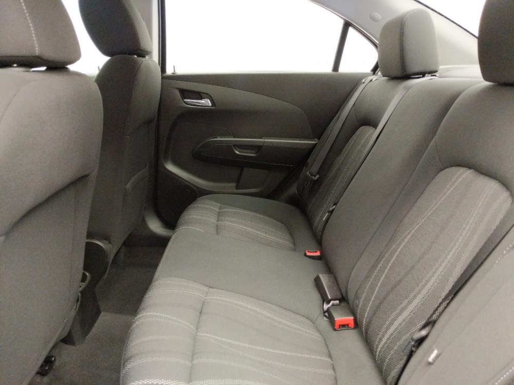 2017 Chevrolet Sonic LT - 1030194584