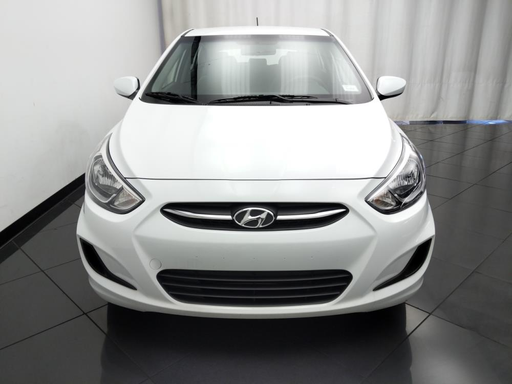 2017 Hyundai Accent SE - 1030194590