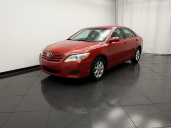 2011 Toyota Camry LE - 1030196891