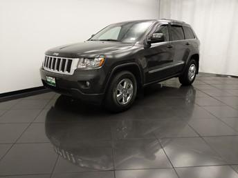 2011 Jeep Grand Cherokee Laredo - 1030197408