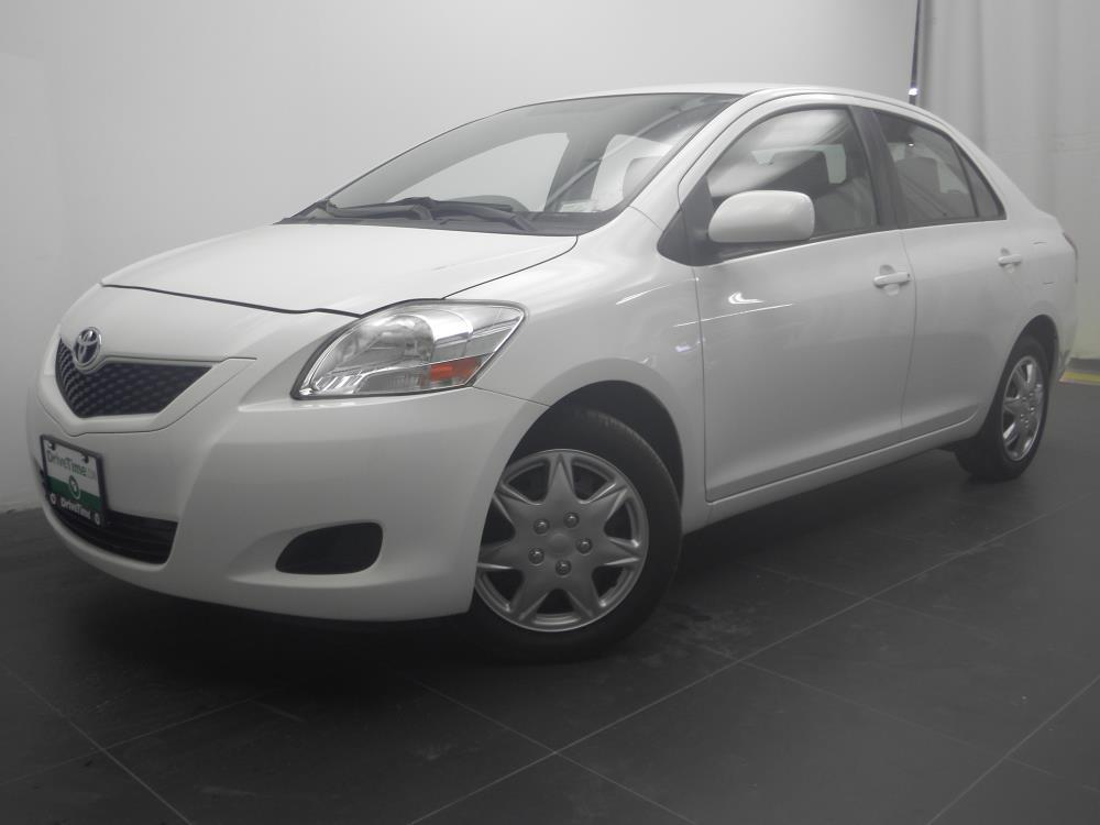 2012 Toyota Yaris - 1040183332