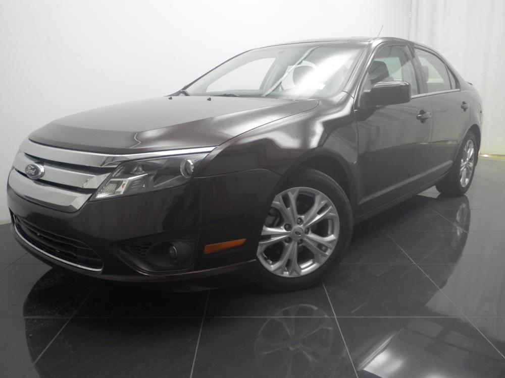 2012 Ford Fusion - 1040184343