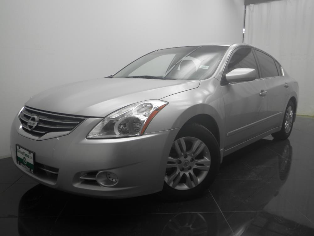 2012 Nissan Altima - 1040185371