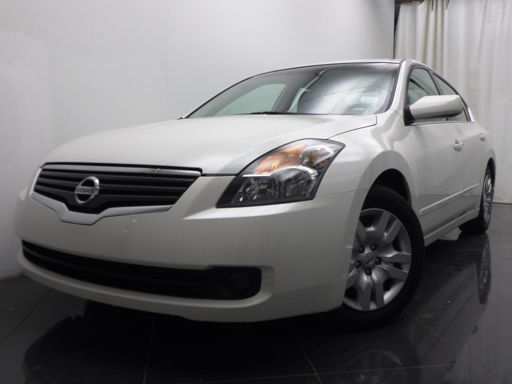 2009 Nissan Altima - 1040186404