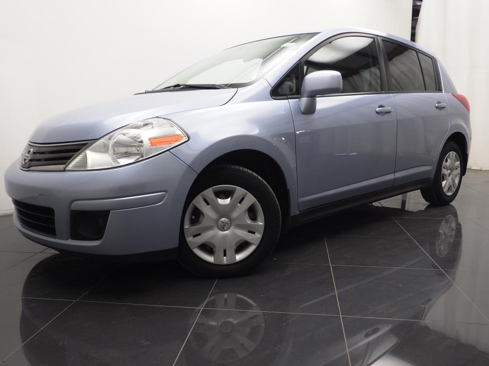 2011 Nissan Versa - 1040186543
