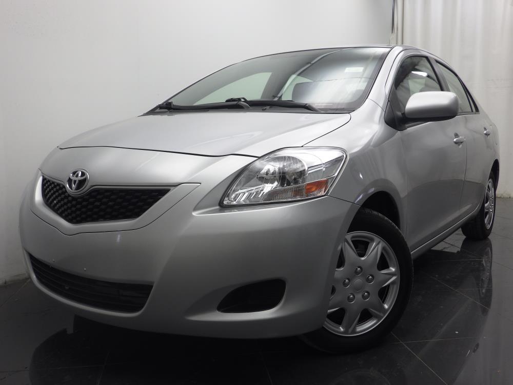 2012 Toyota Yaris - 1040186610