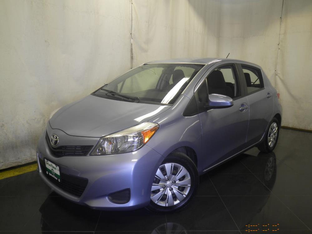 2014 Toyota Yaris - 1040186733