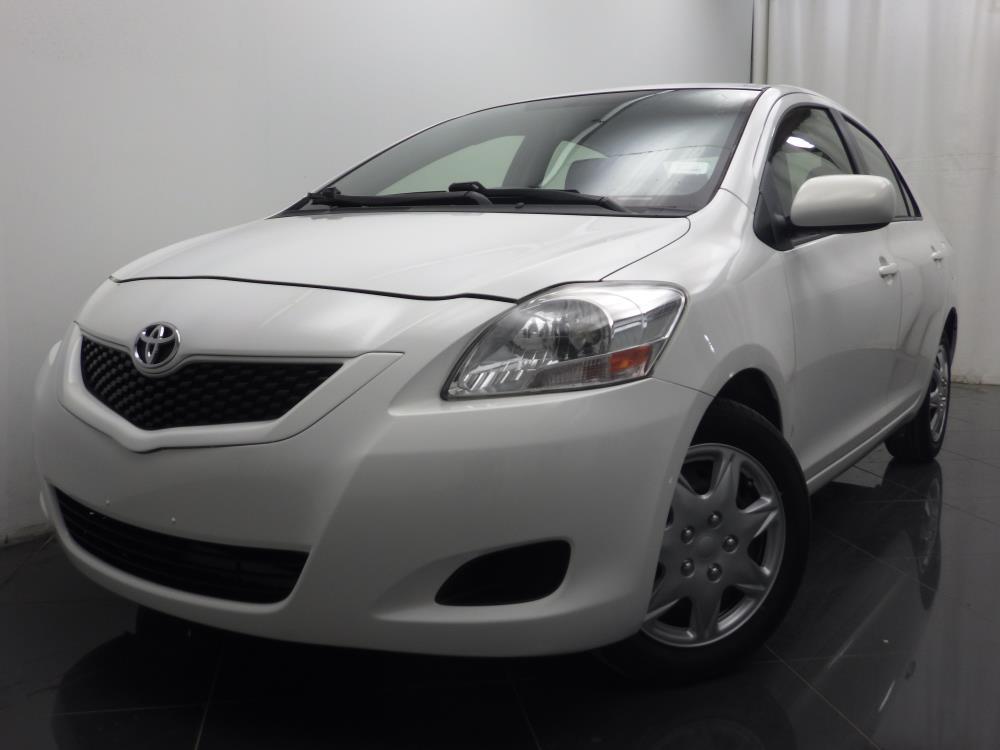 2012 Toyota Yaris - 1040187170