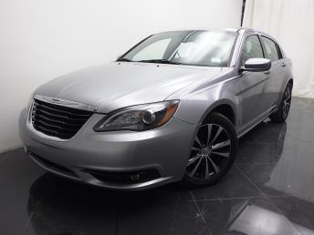 2014 Chrysler 200 - 1040187488