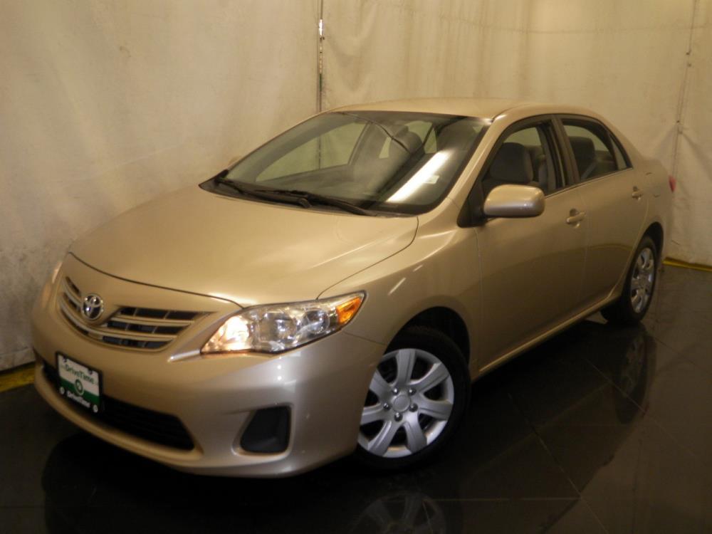 2013 Toyota Corolla - 1040187963