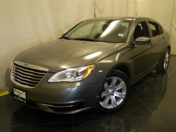 2013 Chrysler 200 - 1040189258