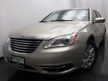2013 Chrysler 200 - 1040192411