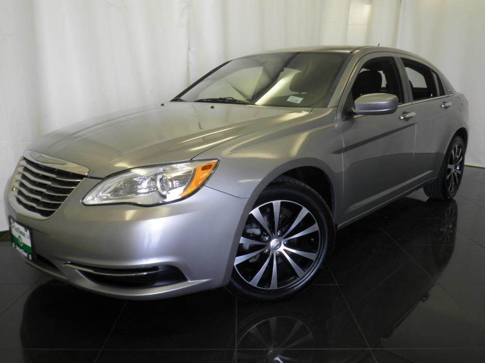 2013 Chrysler 200 - 1040197238