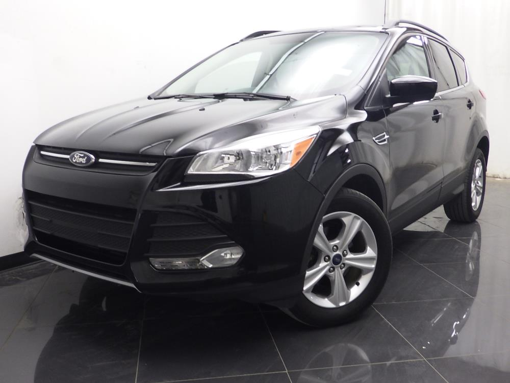 2016 Ford Escape SE - 1040197362