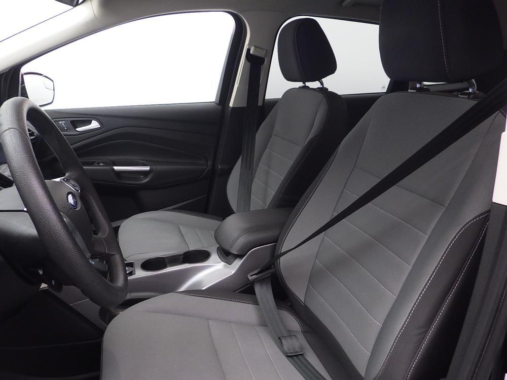 2016 Ford Escape SE - 1040197362