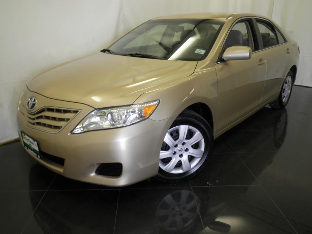 2010 Toyota Camry  - 1040198183