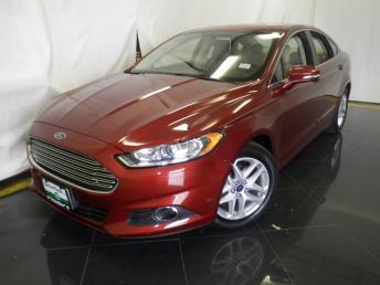 2014 Ford Fusion SE - 1040198213