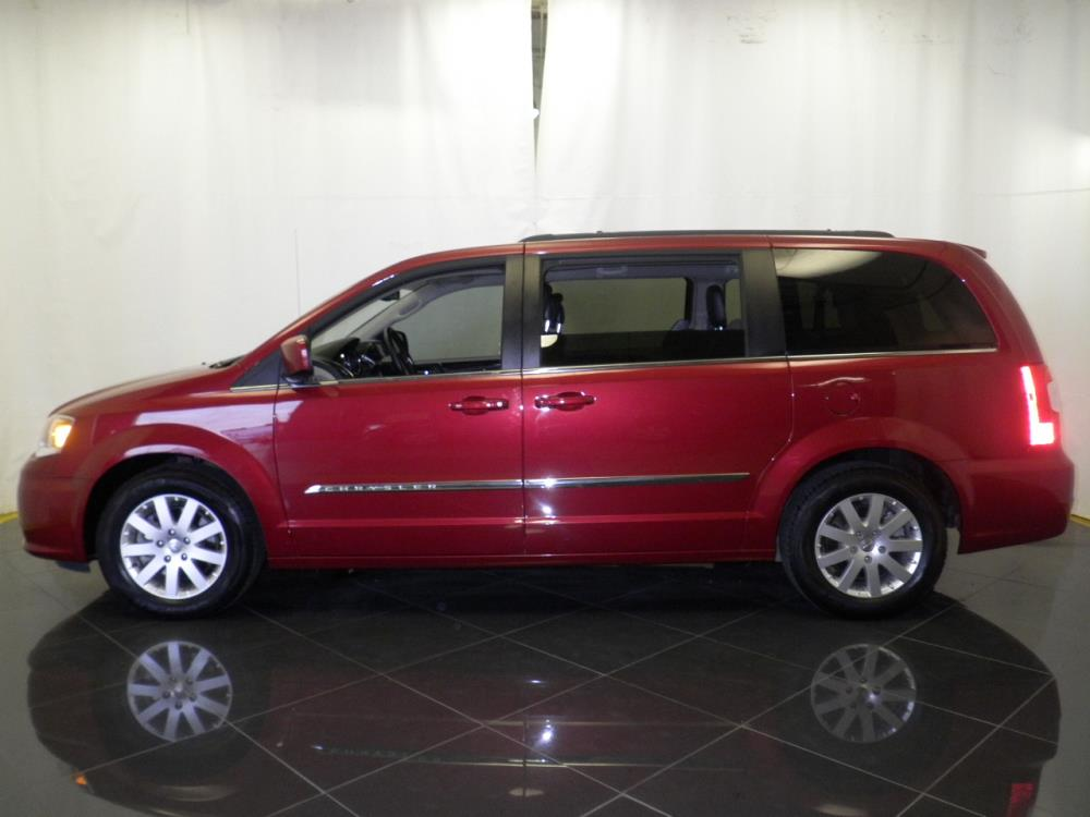 2016 Chrysler Town and Country Touring - 1040199312