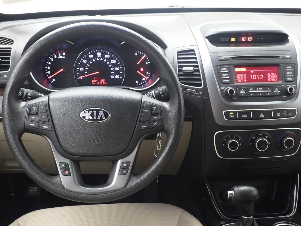 2015 Kia Sorento LX - 1040200094