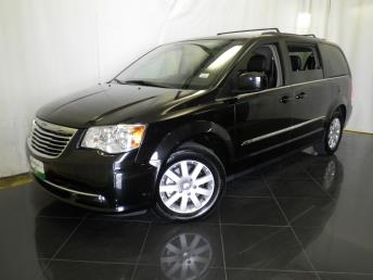 2016 Chrysler Town and Country Touring - 1040200562
