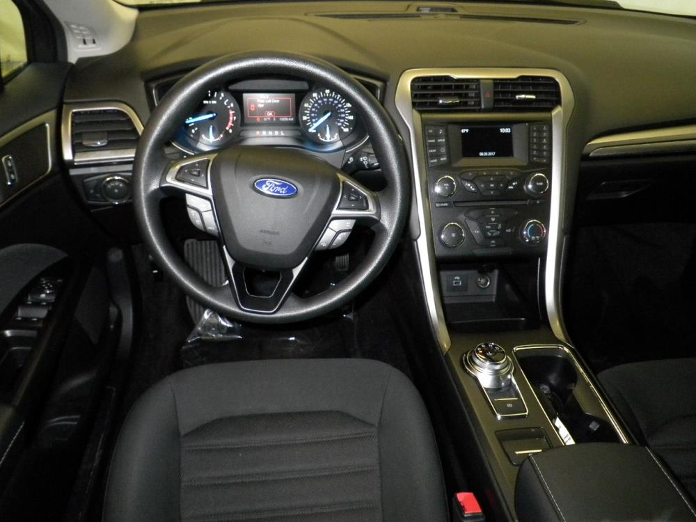 2017 Ford Fusion SE - 1040200623