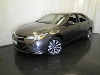 2016 Toyota Camry XLE - 1040201226