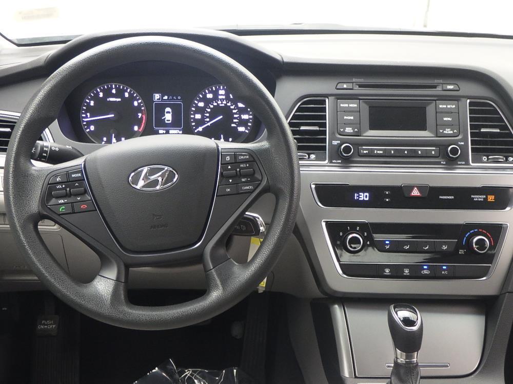 2017 Hyundai Sonata  - 1040201340