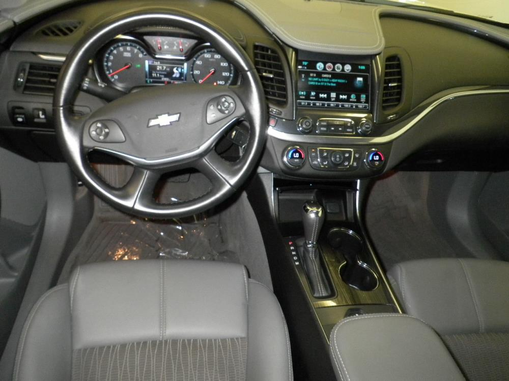 2017 Chevrolet Impala LT - 1040201363