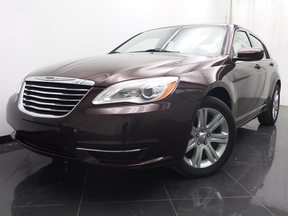 2013 Chrysler 200 Touring - 1040201446
