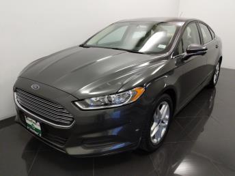 2016 Ford Fusion SE - 1040201760