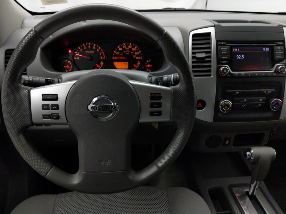 2017 Nissan Frontier Crew Cab SV 5 ft - 1040202075